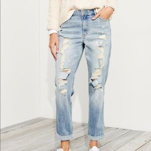 Hollister High-Rise Distressed Boyfriend Jeans